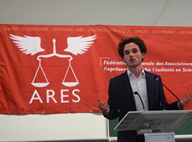 Samuel Barbier, étudiant de deuxième année, grand gagnant de la Conférence Portalis, le concours de plaidoirie de la faculté de droit 2017, et second du Concours national d'éloquence